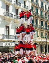 participate in the human tower building